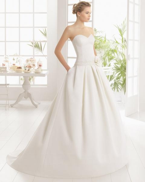 Poročna obleka z žepi