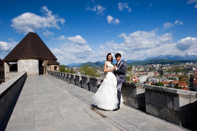 Poroka na razgledni terasni Ljubljanski grad