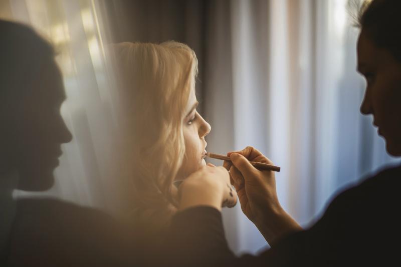 Zimska poroka na Brdu - poročno ličenje