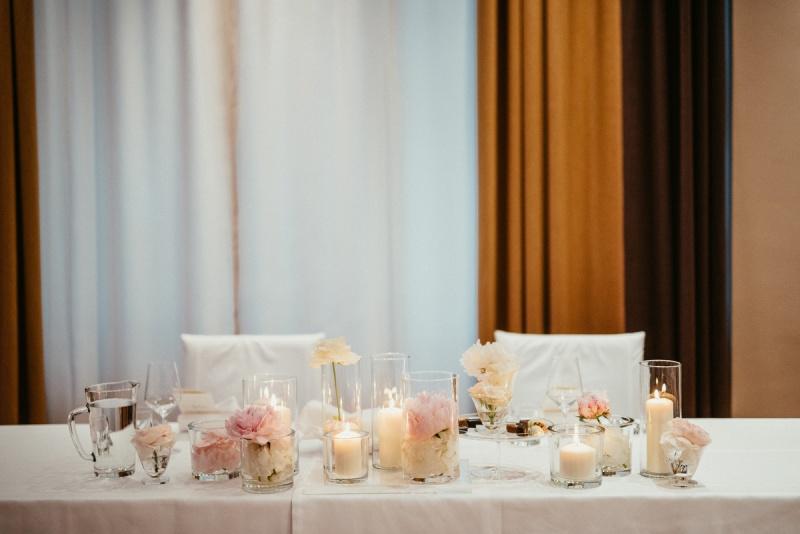 Poročna lokacija v središču Ljubljane, poroka, Hotel Slon, poročna pogostitev, Zaobljuba.si