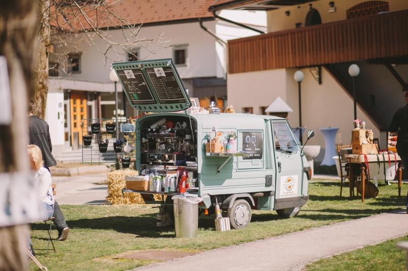 Navidezna poroka - Coffee Car