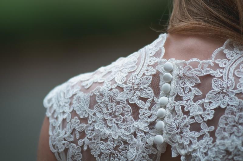 Poročna obleka_čipka