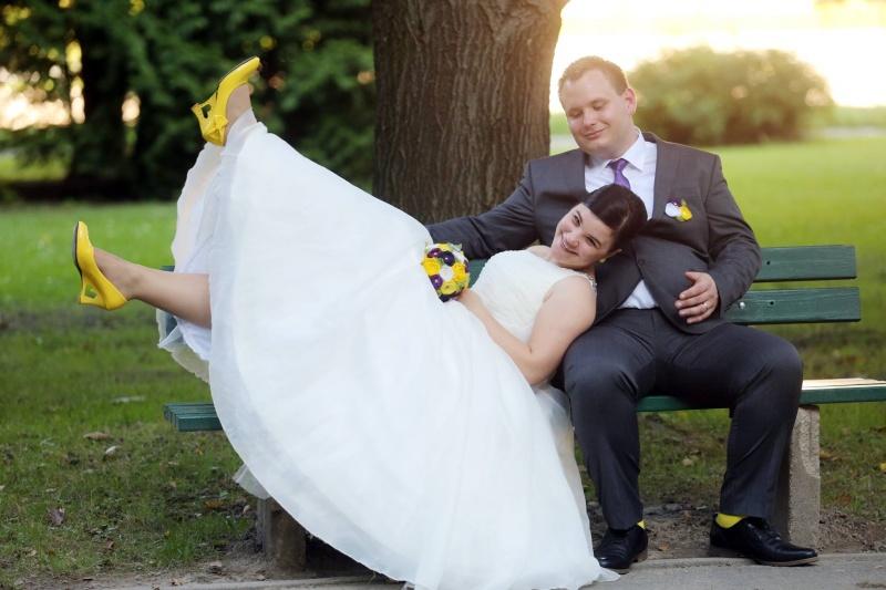 Rumeno - vijolična poroka, Idejka