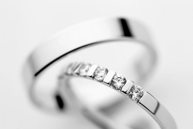 Briljantni poročni prstan