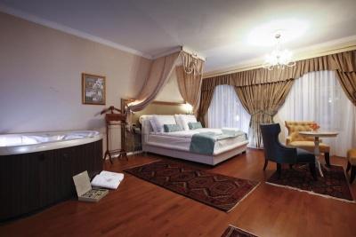 Actum hotel, masažni bazen, razkošna soba, oddih po poroki