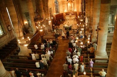 Cerkvena poroka_Gabrijela načrtuje