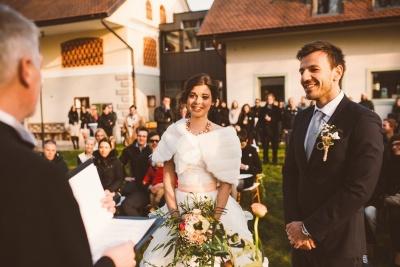Dvor Jezeršek - Navidezna poroka