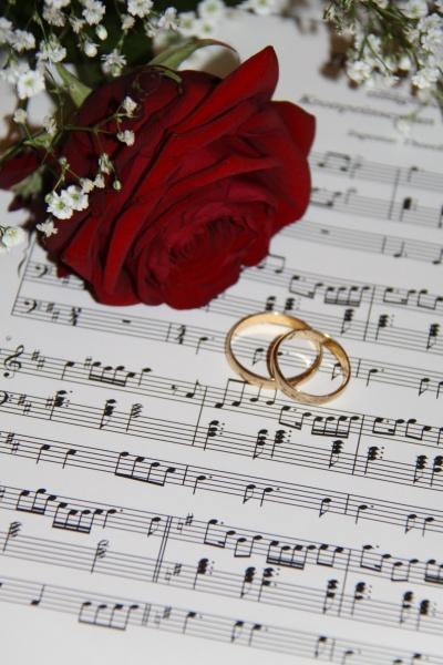 Petje na poroki