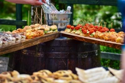 Poročni catering