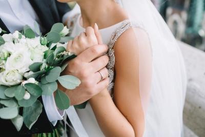 10 razlogov, da se poročita