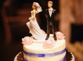 Poroka, poročna torta, poročna pogostitev