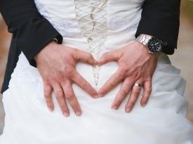 Ženin in nevesta, poročni prstan.