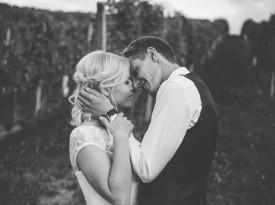 Mladoporočenca, poročno fotografiranje, Zaobljuba.si