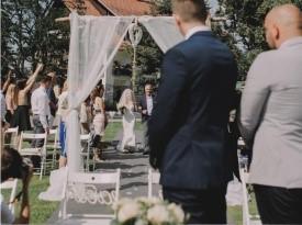 Poroka, Barbara in Blaž, poročna lokacija Polževo, Zaobljuba.si