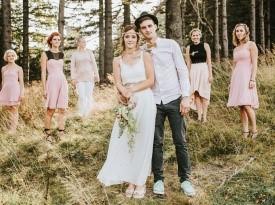 poročna fotografija, družice, poročna obleka, poročni šopek