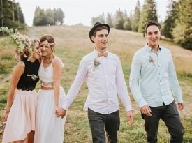 poročno fotografiranje ženin, nevesta, priči