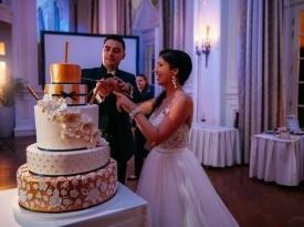 Poročna torta, poročna obleka, poročni prostor
