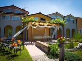Hiša posebne sorte - civilna poroka