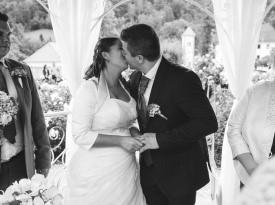 Prvi poljub na poroki.