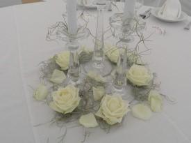 Namizna dekoracija, poročno cvetje, poročna dekoracija.