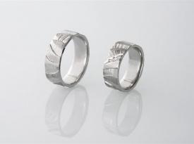 Poročni prstan, poročna prstana, unikaten poročni prstan, poročni prstani, Zlatarna Brežnik, Zaobljuba.si