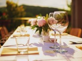 Hiša posebne sorte - poročna zabava