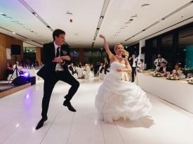 poročni ples, poročna obleka, par, prvi ples, prostyle, zabava