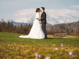 navidezna poroka, poročna dekoracija, jezeršek, kredenca, house of m20, poroka, zaobljuba, tinashe, poročni par, ženin, nevesta