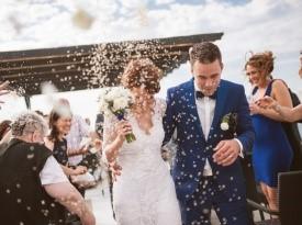 poroka, poročni par, nevesta, ženin, poročni dan, ljubezen, riž, poročni šopek