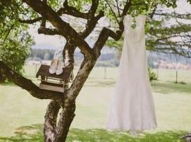 poročna obleka, poročni čevlji