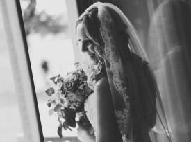 nevesta, poročna obleka, poročni šopek
