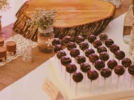 poročna torta, poročna pogostitev