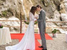Poroka pod slapom