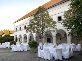 poročna pogostitev, gostilna na gradu, poroka, zaobljubA