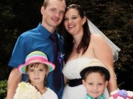 Poročna obleka, poročni šopek, ženin in nevesta