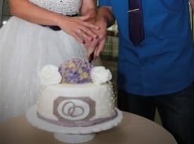 Poročna torta, mladoporočenca