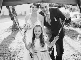 Poročna fotografija družine.