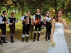 poročni prostor, Terme Dobrna, poroka, poročna fotografija, poroka v parku, Zaobljuba.si