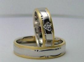 Poročni prstan srce.
