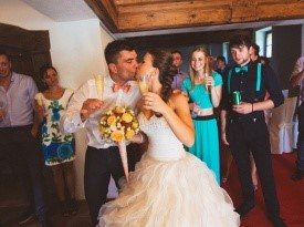 Zdravica po poroki.