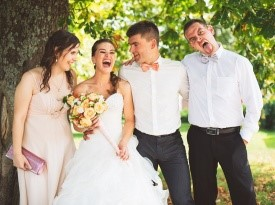 Poročno fotografiranje s pričama.
