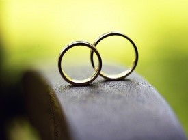 Kendov dvorec, poroka, poročni prstan