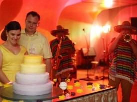 Fotografiranje poročne torte.