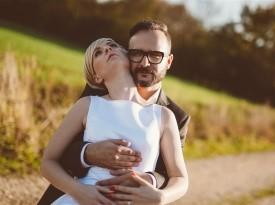 Poročno fotografiranje, poročna obleka, poročna fotografija, mladoporočenca.