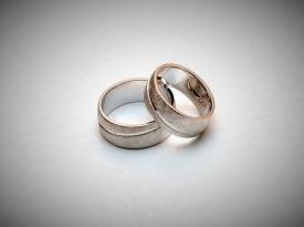 Unikatna poročna prstana, poročni prstan po naročilu.