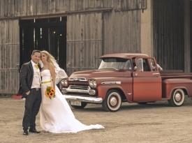 poročni par, poročna obleka, skedenj