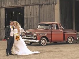 poročni prostor, seno, skedenj, mladoporočenca, kamnik, jani in nina pavec