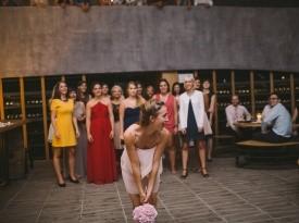 Metanje poročnega šopka