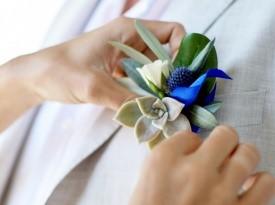Poročni naprsni šopek, poroka ob morju, Zaobljuba.si
