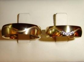 Zlata poročna prstana.